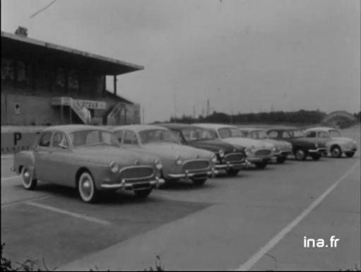 Présentation des nouvelles Renault 1959 en septembre 1958 - Archive INA compilée par le Frégate Club de France
